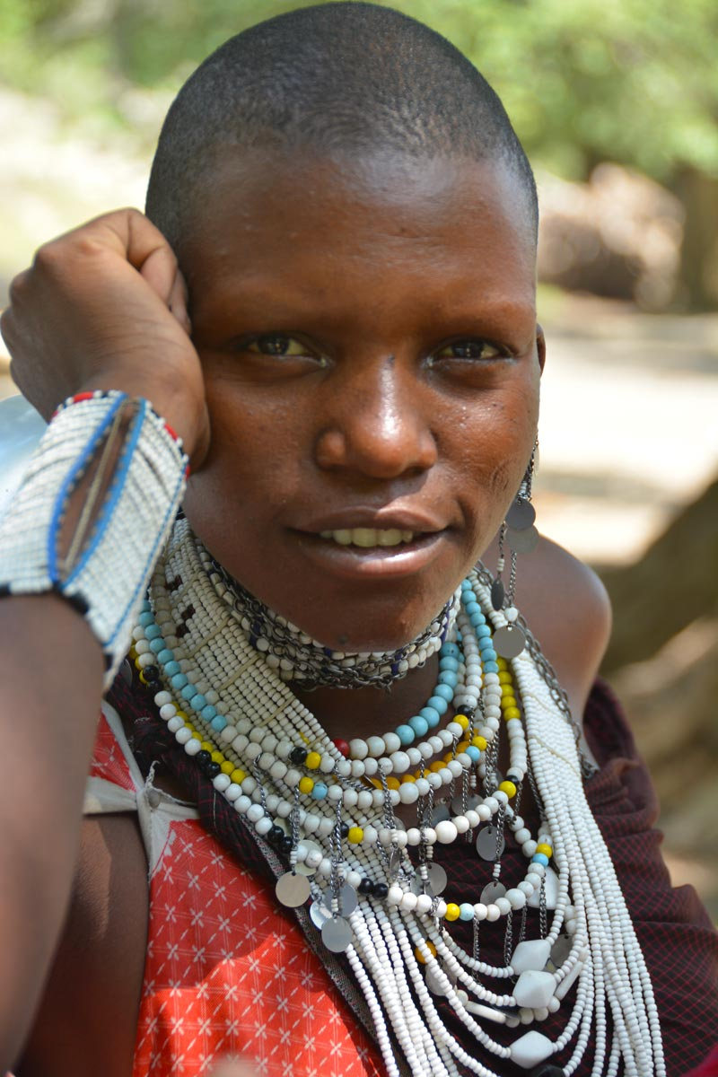 Joven chica masai