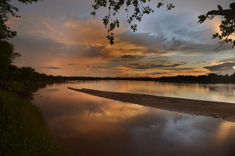 Atardecer sobre el río Luangwa
